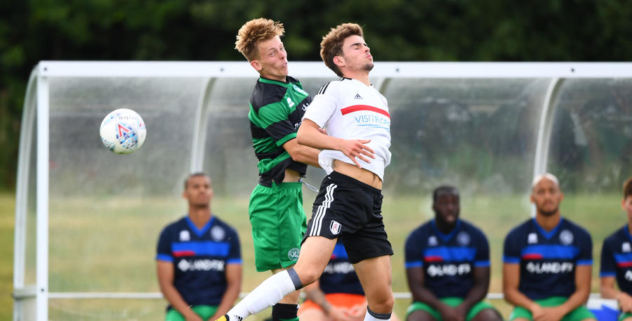 QPR's Jack Williams and Fulham's Matt O'Riley