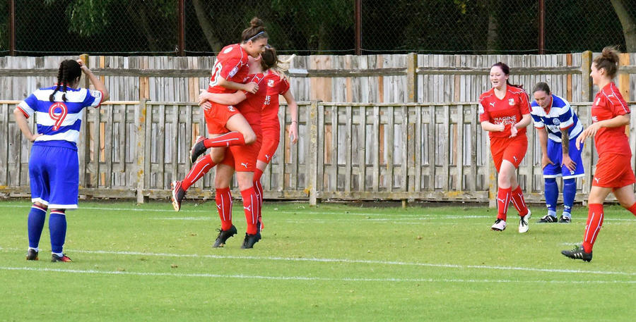 Swindon_QPR_Ladies_01.jpg