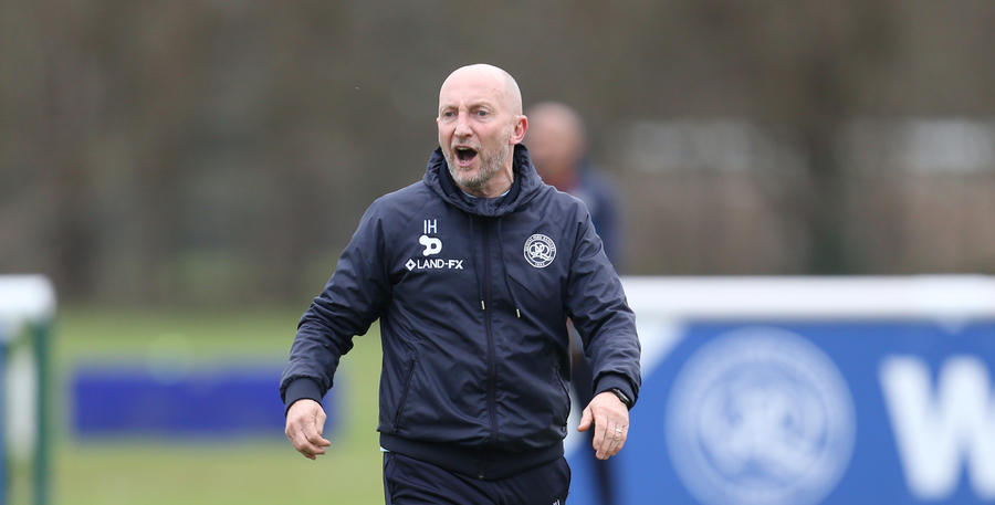 Ian_Holloway_TrainingGd_01.jpg