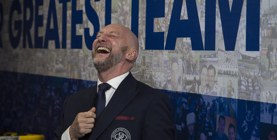 Ian_Holloway_Laugh_01.jpg